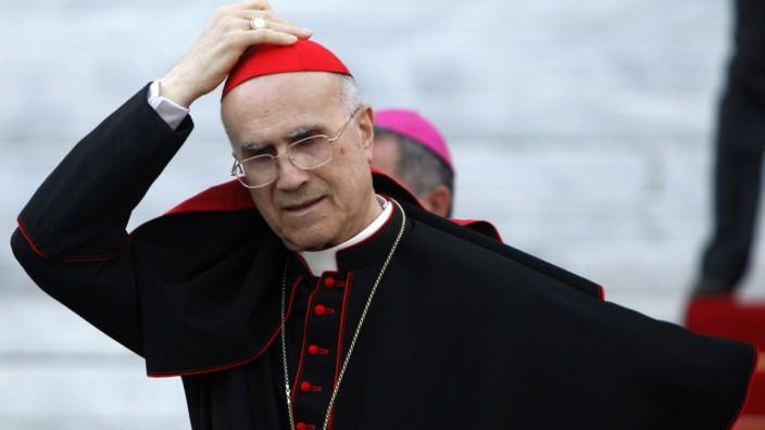 Mögliche Papst-Nachfolger Kardinalstaatssekretär Tarcisio Bertone
