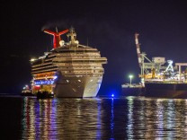 Carnival Triumph cruise ship arrives in Mobile, Alabama, USA