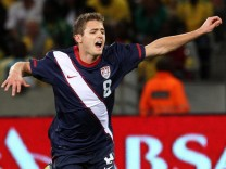 US soccer player comes out as gay