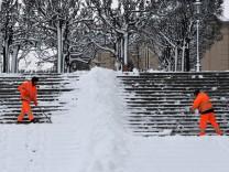 Neue Schneefaelle in Sachsen