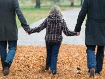 Schwule Väter und ihre Ängste