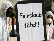 Demonstration gegen die Belastung durch Feinstaub in München, 2005