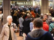 Sicherheitskräfte streiken am Flughafen Hamburg