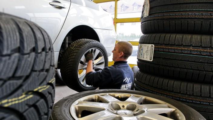 Reifen, Reifenwechsel, Sommerreifen, Winterreifen, ADAC