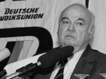 DVU Deutsche Volksunion Gerhard Frey Rechtsextremismus