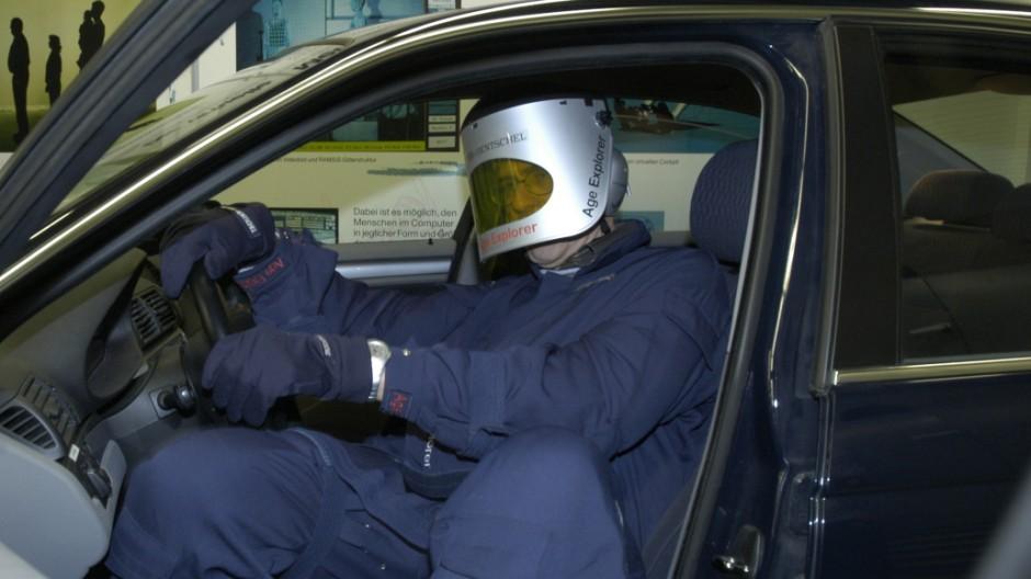 BMW testet Autos auf Seniorenfreundlichkeit, 2006