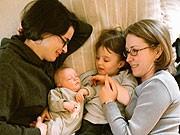 Adoptionsrecht von Homosexuellen, dpa