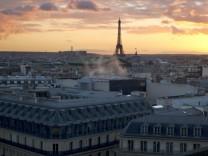 Blick auf den Eiffelturm vom Kaufhaus Galeries Lafayette