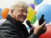 SPD-Kanzlerkandidat Steinmeier Deutschland-Plan zum Abbau der Arbeitslosigkeit, dpa