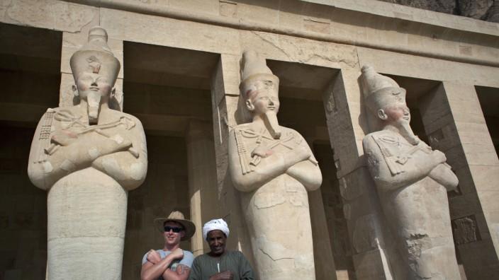 Tourist Souvenirhändler Luxor Ägypten