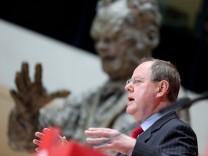 Peer Steinbrück, SPD, stellt Wahlprogramm zur Bundestagswahl 2013 vor
