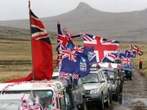 Die große Mehrheit des Völkchens auf den schroffen Falklands fühlt sich dem Union Jack verpflichtet.