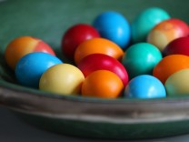Foodwatch für Verbot bedenklicher Eier-Farbstoffe