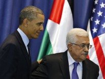 U.S. President Obama and Palestinian President Abbas leave after joint news conference in Ramallah