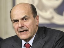 Italian centre-left leader Bersani speaks after meeting with Italian President Napolitano at Quirinale palace in Rome