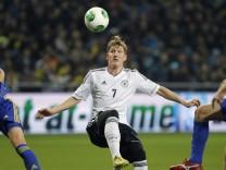 DFB  Bastian Schweinsteiger Kasachstan