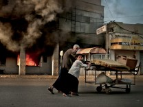 Brennende Bankfiliale Kirkuk Irak 2003 Krieg