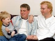Adoption; Homo-Ehe; Regenbogenfamilie; AP