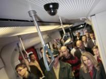 Videoüberwachung in Münchner S-Bahnen.