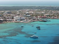 Grand Cayman, Cayman Islands, OffshoreLeaks, Steuerparadies, Steueroase