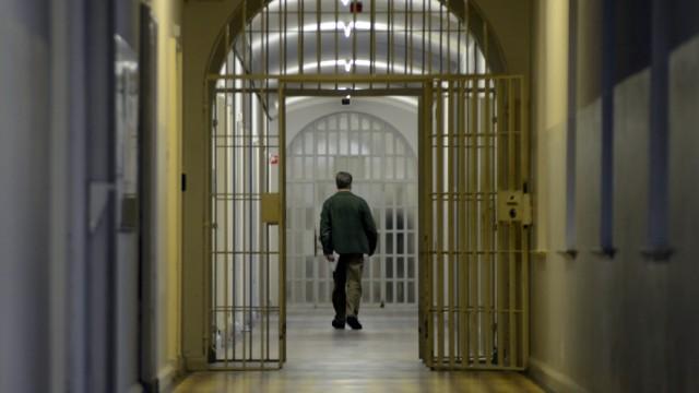 Gefährder Gesetz Bayern Führt Die Unendlichkeitshaft Ein