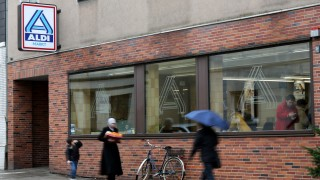 Aldi Kühlschrank Auto : Aldi steigt in immobiliengeschäft ein wirtschaft süddeutsche.de