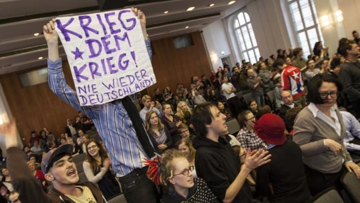 Studenten stören De-Maizière-Auftritt