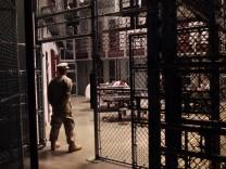 Wärter setzen Gummigeschosse bei Protest in Guantanamo ein