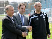 TSV 1860 München, Fußball, Sportdirektor Florian Hinterberger (l-r), Geschäftsführer Robert Schäfer und Trainer Alexander Schmidt