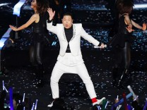 PSY Releases New Single 'Gentleman'