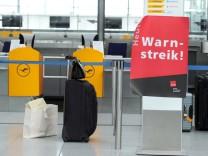 Verdi-Streik - Lufthansa streicht fast alle Flüge
