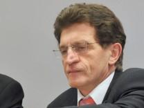 Landtag prüft Winters Familienjobs