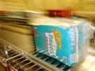 Eine Packung Pampers im Werk des Hygieneartikelherstellers Procter & Gamble