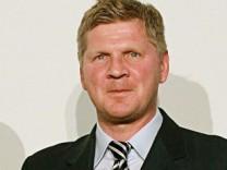 Stefan Effenberg ist als Trainer bei Schalke im Gespräch