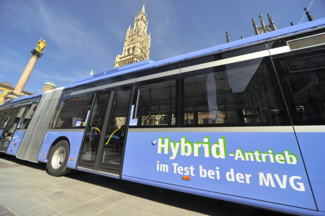 Münchner Verkehrsgesellschaft testet Hybrid-Busse, 2011