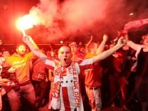 Fußballfans feiern in München