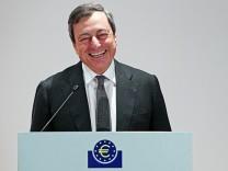EZB Präsident Mario Draghi Krise EU Leitzins