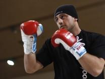 Italian-born boxer Pianeta attends a training session in Heidelberg