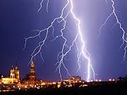 Gewitter über Dresden, dpa