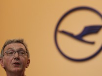 Lufthansa CEO Mayrhuber addresses general meeting in Berlin