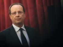 Ein Jahr nach der Wahl von Frankreichs Präsident Francois Hollande herrscht Stillstand im Land