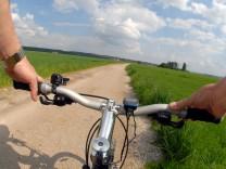 Radfahrer in der Natur, 2012