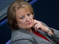 Bundesjustizministerin Sabine Leutheusser-Schnarrenberger will neue Behörde zur Bekämpfung von Rechtsextremismus