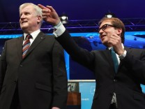 CSU Confirms Seehofer As Lead Bavarian Election Candidate