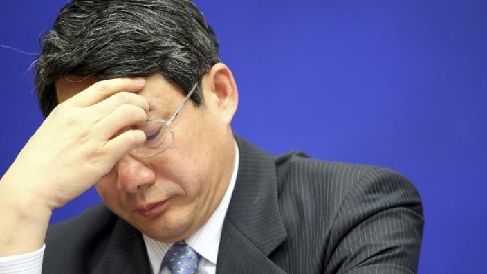 Liu Tienan auf einer Pressekonferenz in Peking im Jahr 2009