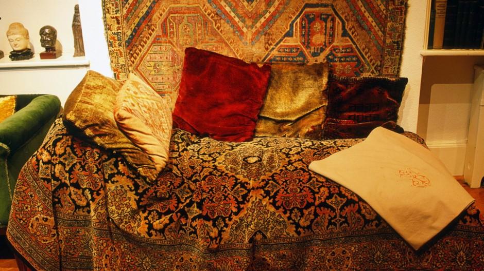 Couch von Sigmund Freud in London