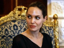 Angelina Jolie, Tante Brustkrebs gestorben