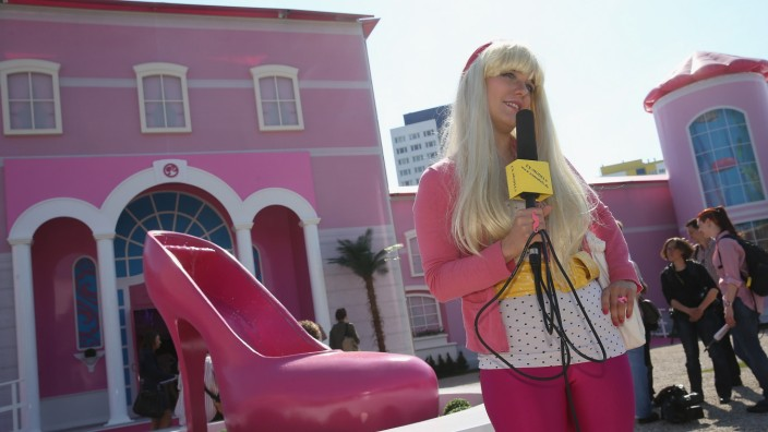 Barbie Dreamhouse Experience Opens In Berlin
