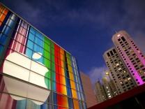 Apple raises record $17 bn in bond sale