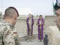 Soldaten der Bundeswehr gedenken im afghanischen Kunduz des toten KSK-Kämpfers
